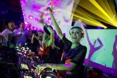 Laserworld_at_Opera_Club_Zagreb_by_Luminos-0011-web.jpg